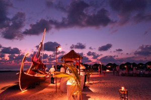 Nightime at Meeru beach restaurant, Constance Halaveli